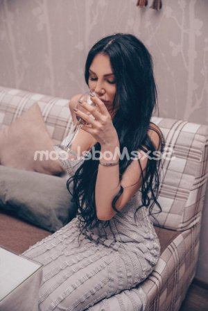 Pembe ladyxena massage escort girl
