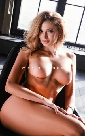 Claudette escort massage naturiste à Mennecy 91