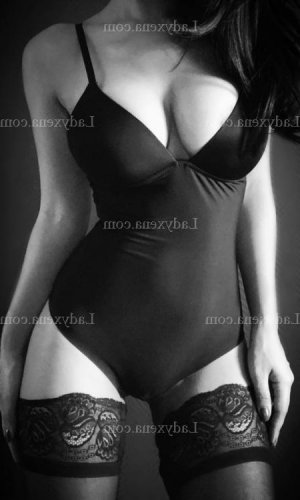 Nadjate massage escort girl à Saint-Martin-d'Uriage