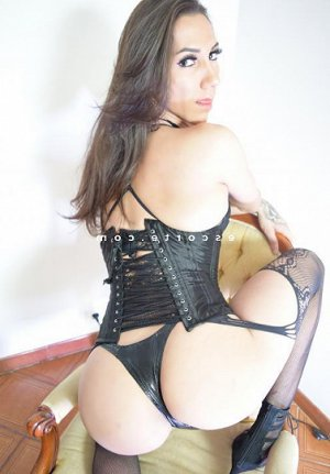 Hadjira lovesita escorte girl